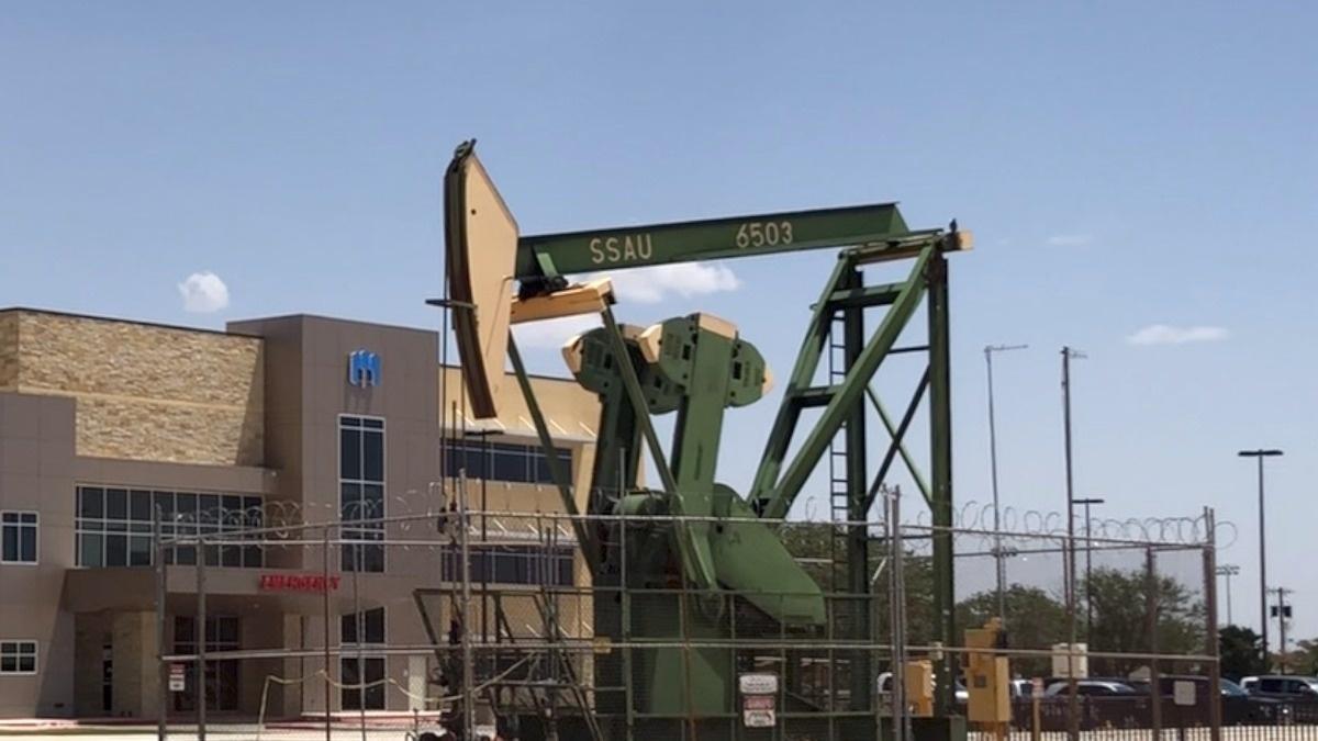 E-frack: a safer, cheaper fracking alternative?