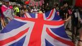 محتجو هونج كونج يرددون النشيد الوطني البريطاني سعيا للضغط على الصين