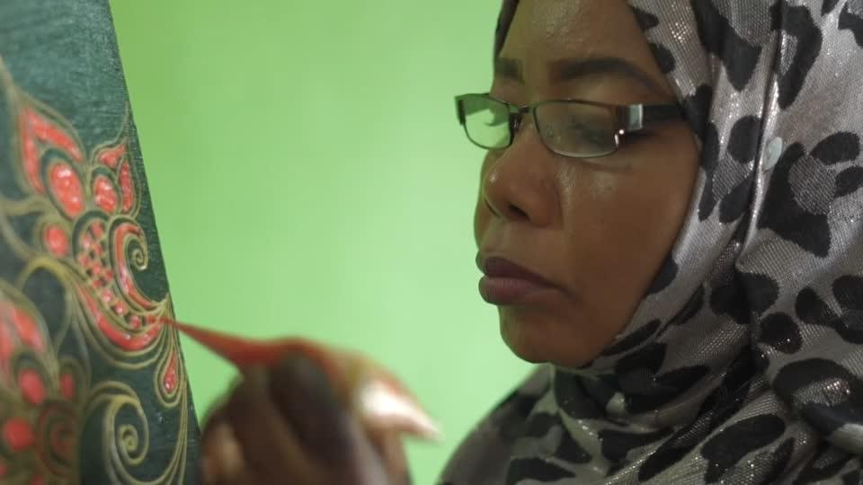 From hands to the canvas: Zanzibar's women find new outlet for henna...