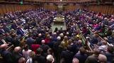 جونسون يتمسك بموقفه أمام محاولة البرلمان تأجيل البريكست ومظاهرات حاشدة تطالب باستفتاء ثان