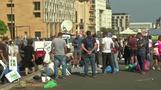 المحتجون في لبنان يتعهدون بالبقاء في الشوارع رغم الإعلان عن إصلاحات اقتصادية