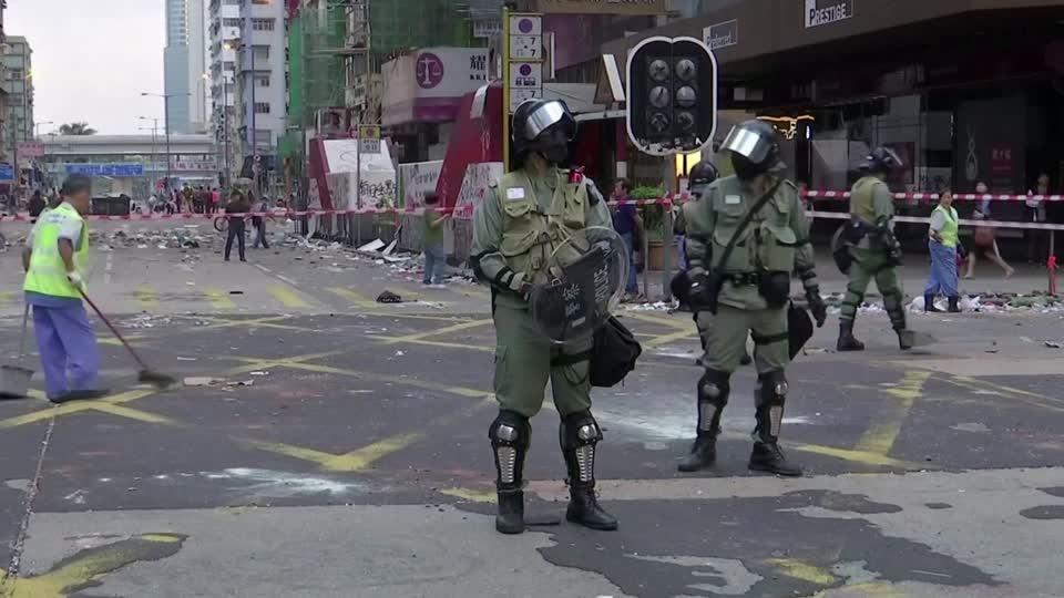 Hong Kong faces commuter chaos after day of violence