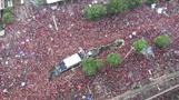 サッカー南米王者に輝いたフラメンゴが凱旋帰国、数万人が歓喜(字幕・26日)