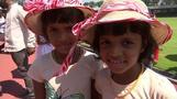 双子集まりすぎ! スリランカで記録挑戦イベント、数え切れず失敗(字幕・21日)