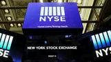 Wall Street tumbles as U.S. virus cases climb
