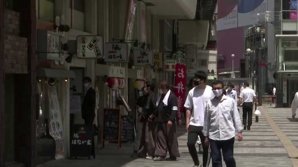 Japan seeks to end Tokyo's state of emergency, eyes $930 bln stimulus