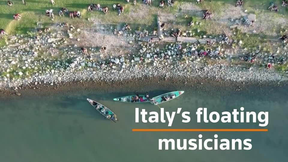 Floating musicians beat virus blues in Italy