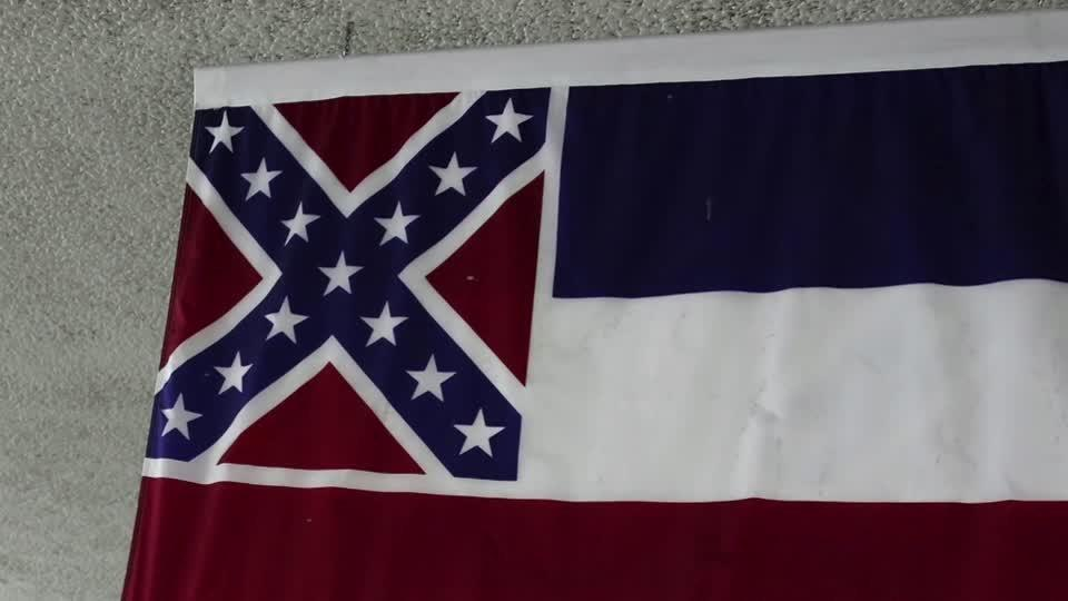 Walmart removes Mississippi flag from stores