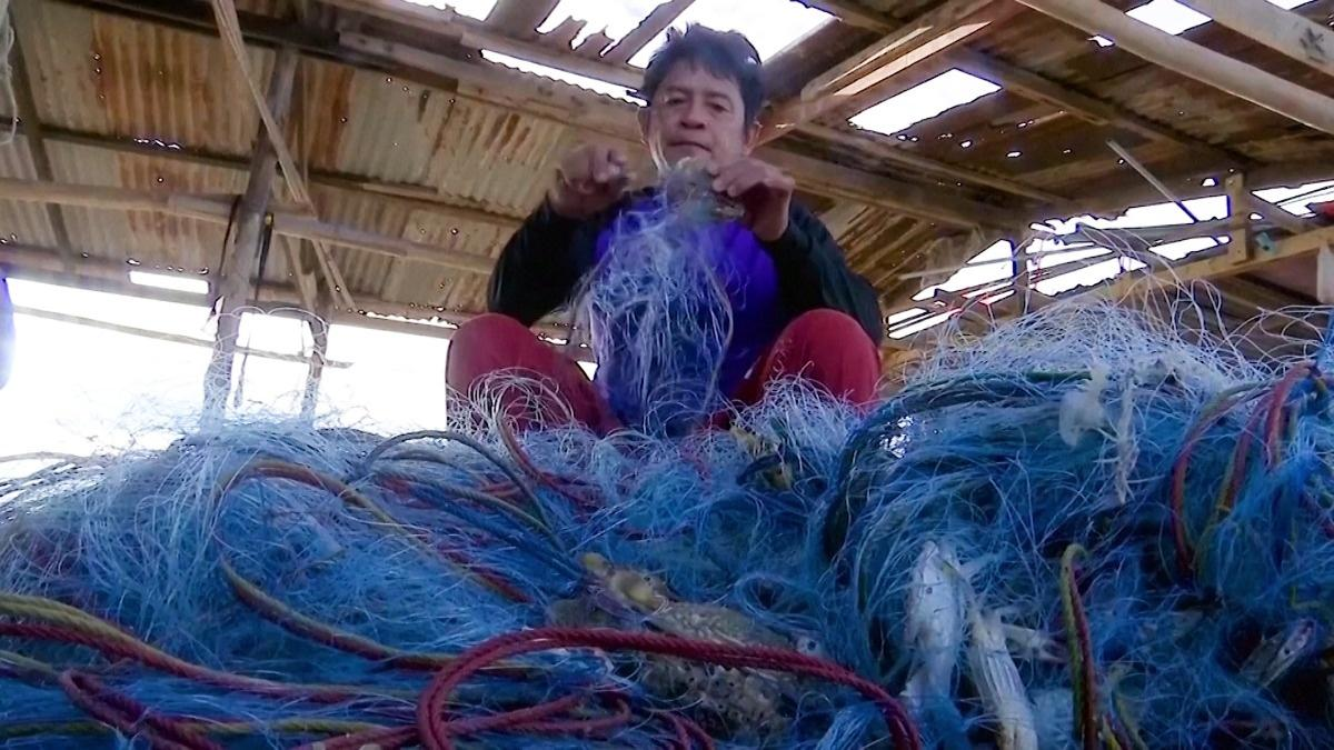 Thais turn fishing nets into COVID-fighting gear