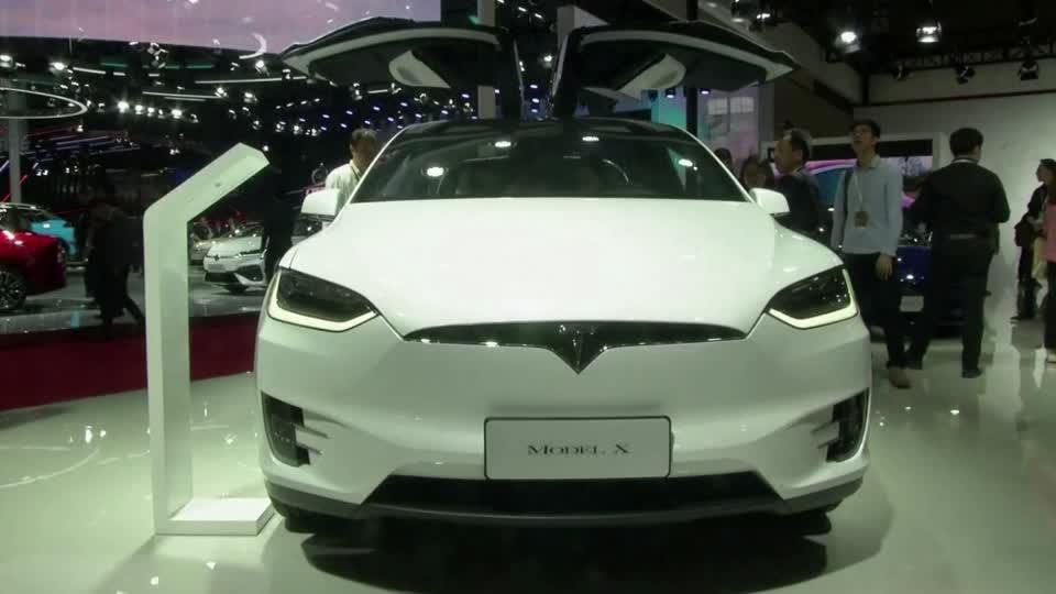 "Tesla ""very close"" to fully autonomous driving"