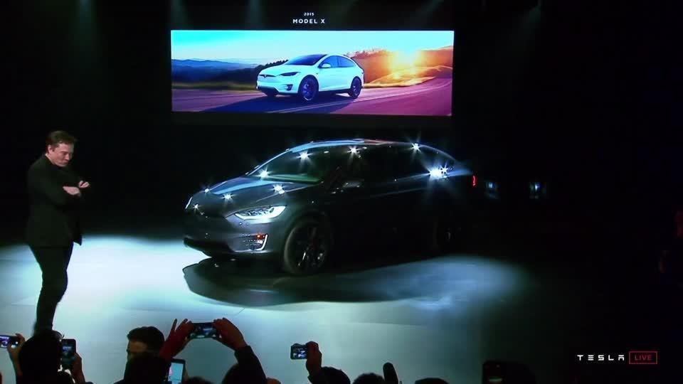 Tesla slashes Model Y price