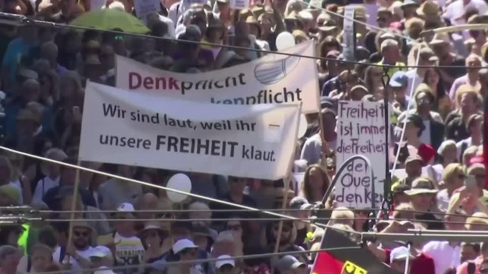 Thousands march in Berlin against coronavirus measures