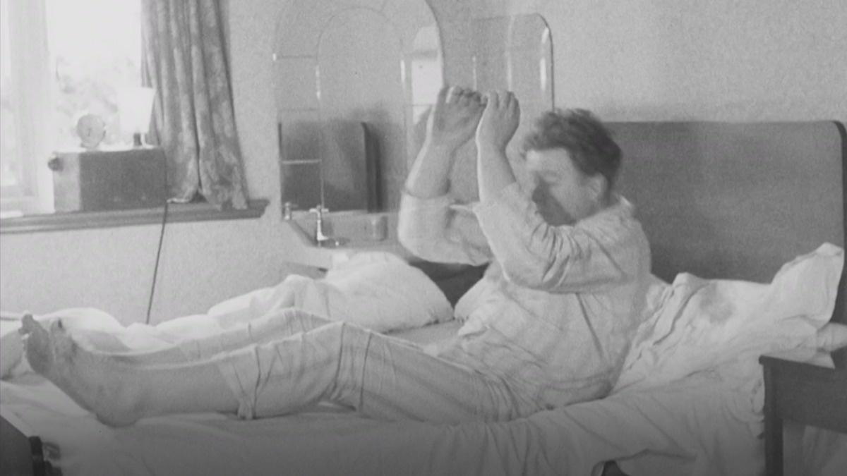 1950s alarm clock guarantees rude awakening