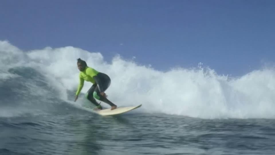 Erste und einzige Profi-Surferin Senegals