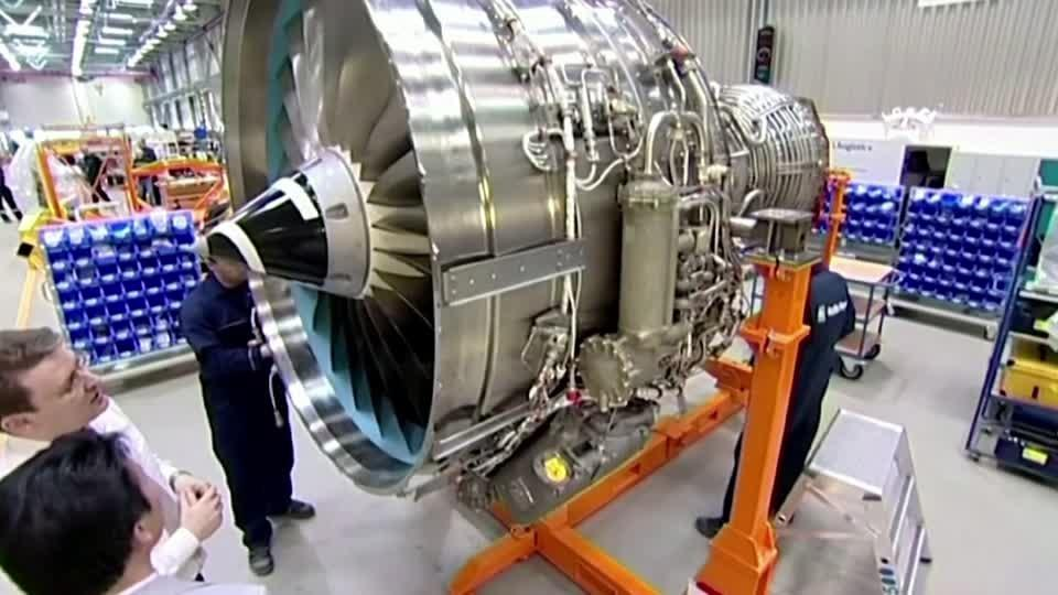 Rolls-Royce shares tank on $3 bln funds plan