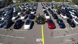 米テスラ、駐車場でドライブイン形式の事業説明会開催(字幕・23日)