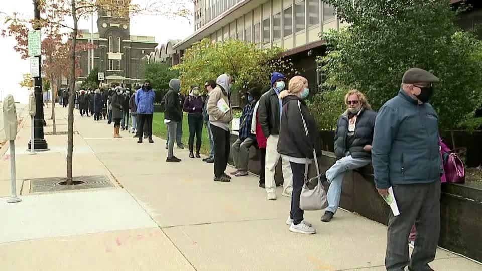 Early voting gets underway in Wisconsin