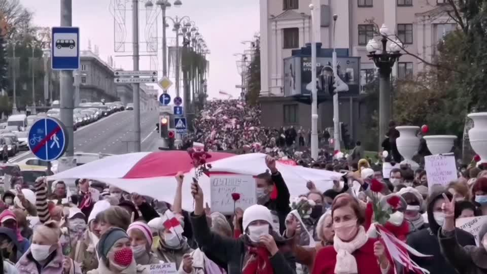 Workers and students strike against Lukashenko