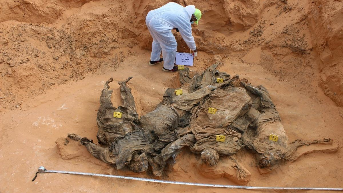 Libyan investigators find more mass graves