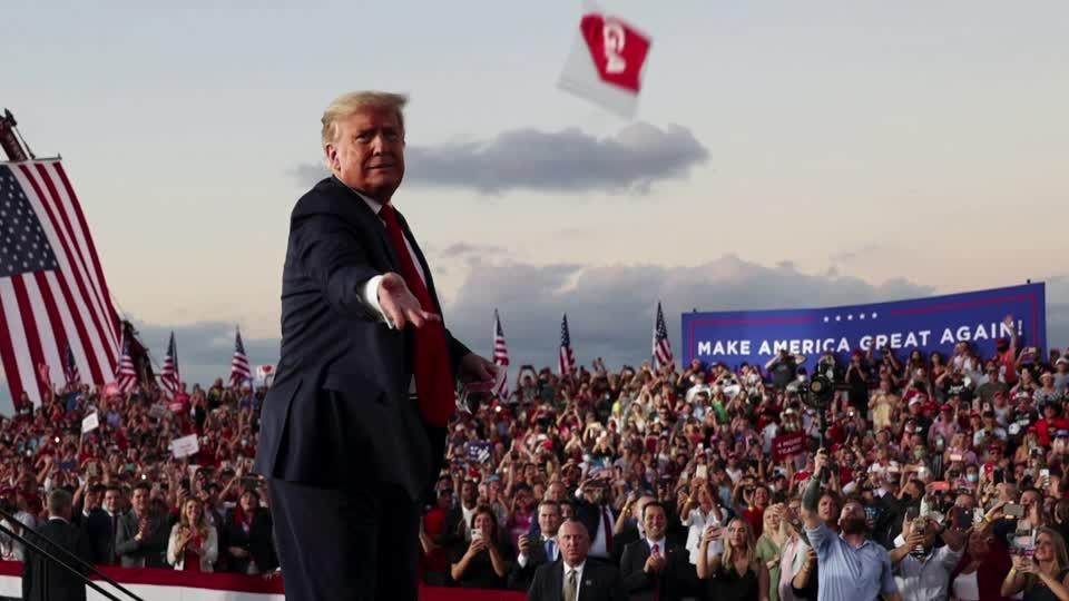 Trump sticks to rallies as COVID-19 roars back