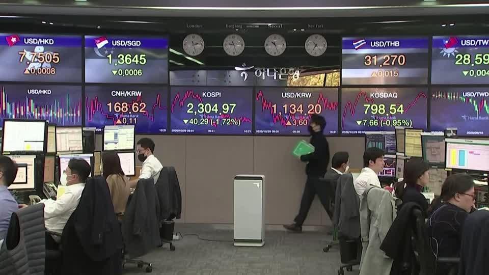 Strong earnings help stocks regain poise