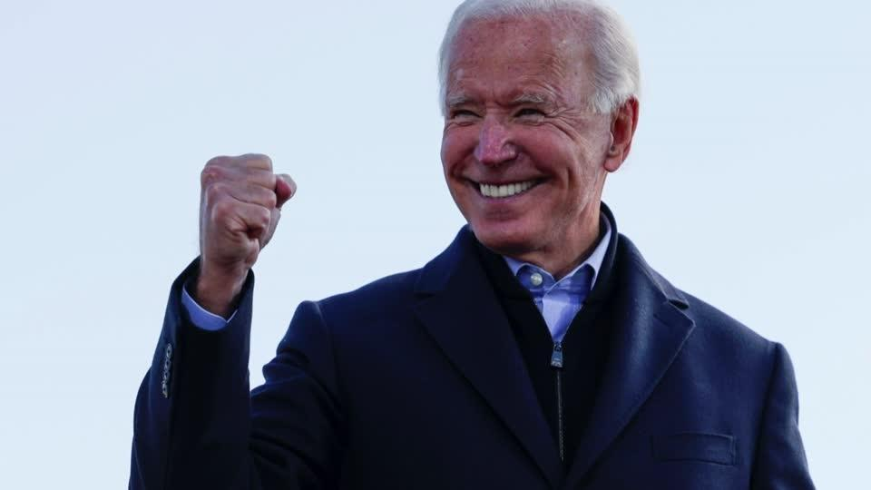 Biden, Trump make final push in Midwest battlegrounds