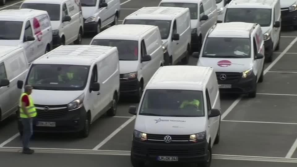 """Germany's Amazon workers on """"Black Friday"""" strike"""