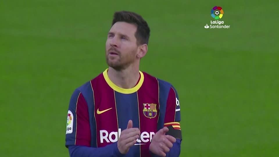 Messi and Barcelona pay tribute to Maradona