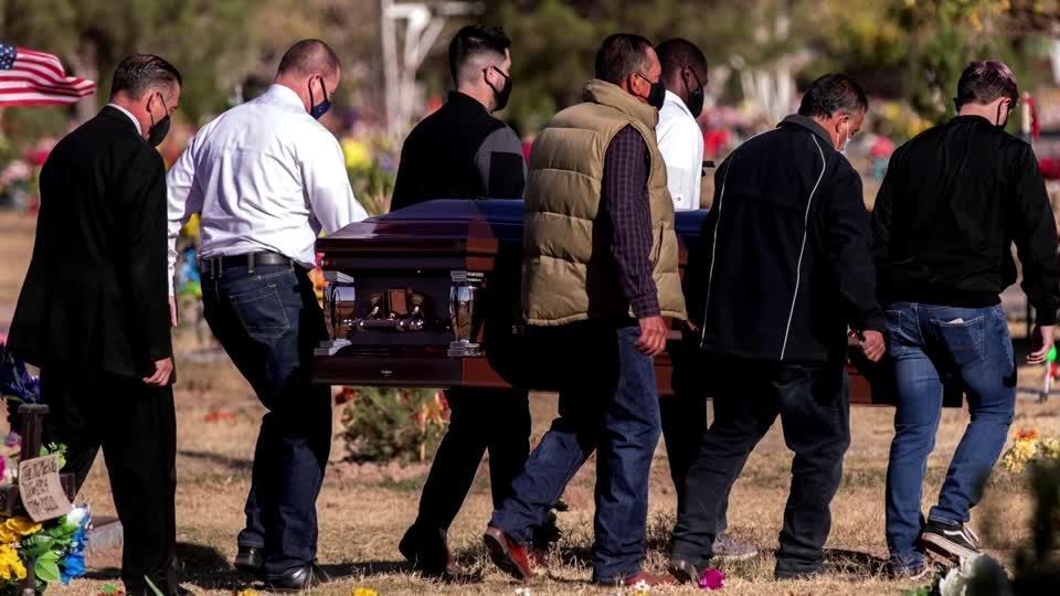 U.S. COVID deaths mount with dangerous season ahead