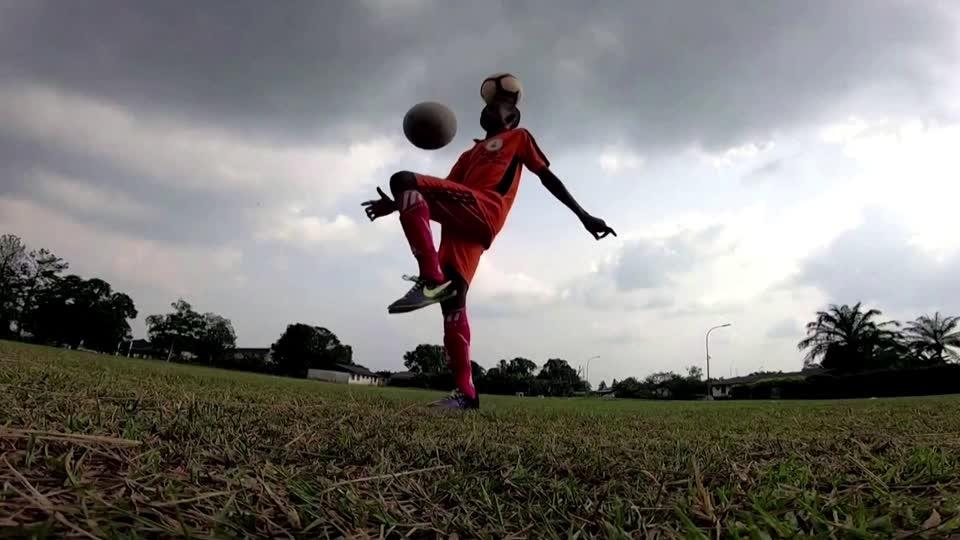 Nigerian world record holder hopes for future in soccer
