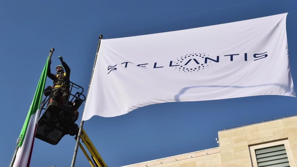 Bells ring as shares in Stellantis start trading