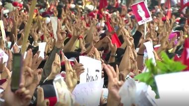 缅甸民众继续大规模示威 无惧军方开枪镇压