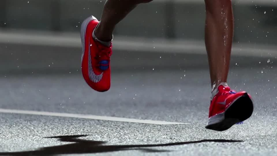 Nike set to overcome shipping woes - analysts