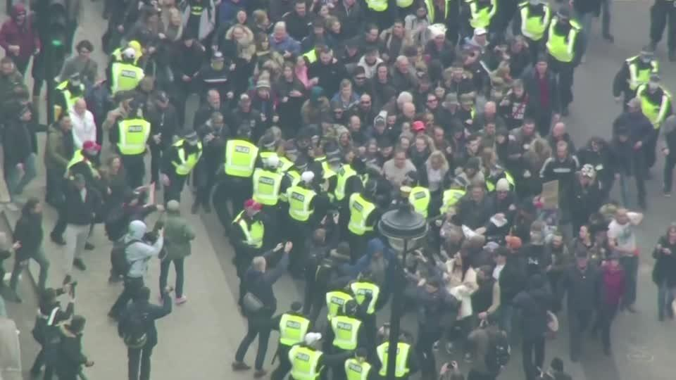 Anti-lockdown protesters scuffle with police in London