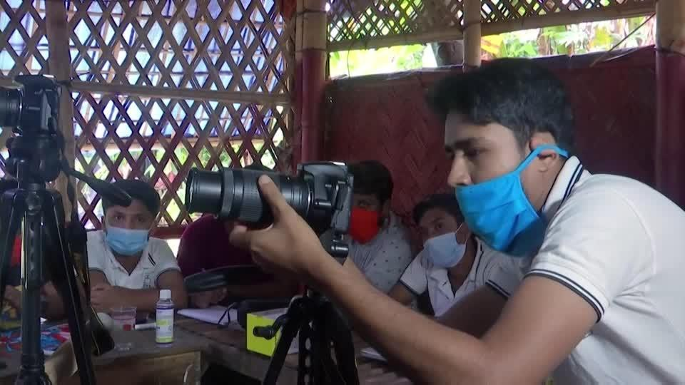 Rohingya learn photography to document refugee life