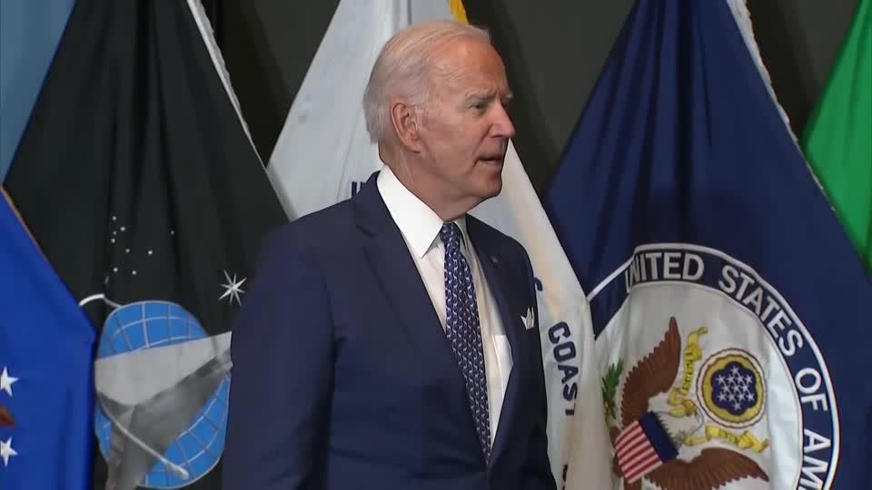 Biden says considering federal vaccine requirement