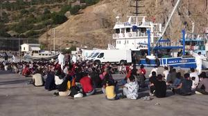Turkey seizes vessel carrying more than 200 migrants