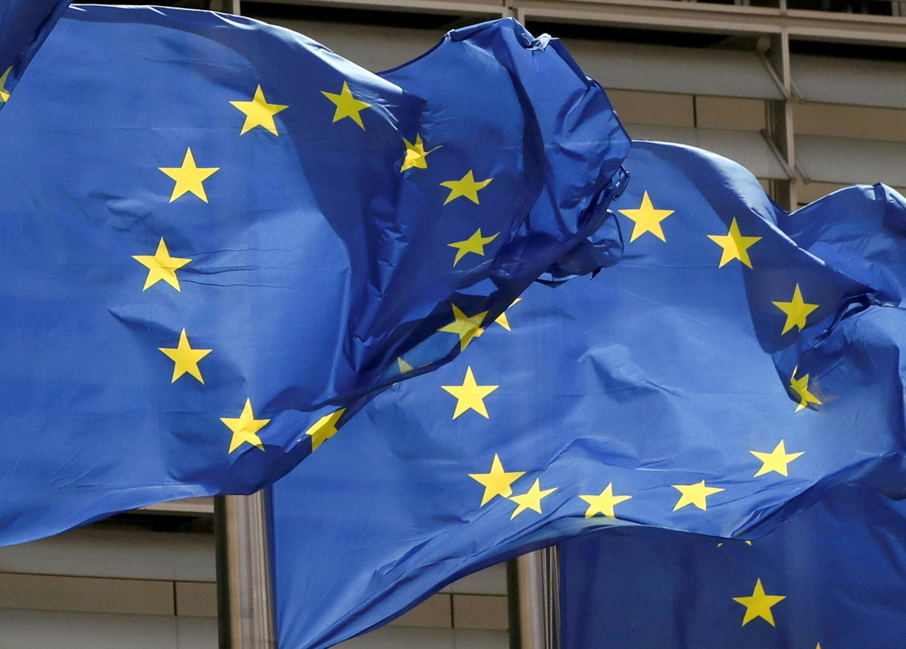EU backs France in submarine dispute