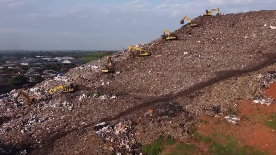 How big brands convert plastic waste into fuel