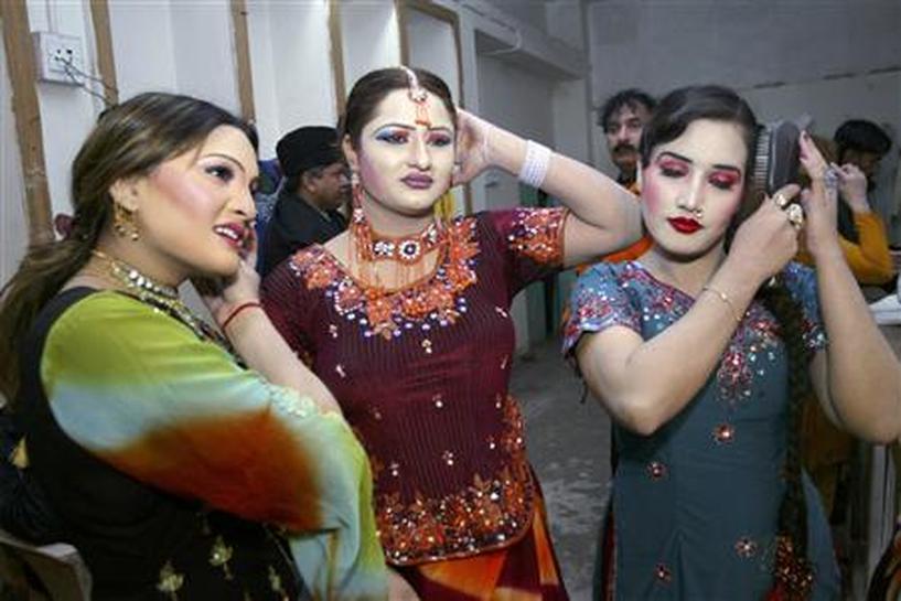 Sexy pakistani dancers