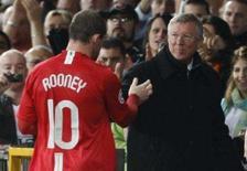 <p>Rooney deixa o campo substituído em Manchester. O atacante Wayne Rooney provou ser o algoz da Roma ao marcar seu primeiro gol na temporada, quando o Manchester United derrotou o time italiano por 1 x 0 e assumiu a liderança do Grupo F da Liga dos Campeões. 2 de outubro. Photo by Phil Noble</p>