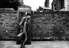 <p>Cena do filme 'Control', sobre a curta trajetória do líder da banda Joy Division, Ian Curtis. O filme será exibido na sexta-feira na 31a Mostra Internacional de São Paulo. Photo by Reuters (Handout)</p>