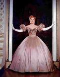 <p>Deborah Kerr em cena do filme 'The King and I'. A atriz Deborah Kerr, que estrelou o clássico 'A Um Passo da Eternidade' de 1953 ao lado de Burt Lancaster, morreu, informou nesta quinta-feira sua agente. Photo by Reuters (Handout)</p>