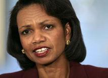 <p>A secretária de estado dos Estados Unidos, Condoleezza Rice, discursa no Departamento de Estado, em Washington. A secretária de Estado norte-americana, Condoleezza Rice, reúne-se com líderes israelenses e palestinos neste fim de semana para negociar uma declaração conjunta às vésperas de uma conferência de paz. Photo by Yuri Gripas</p>
