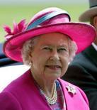 <p>Foto de arquivo da rainha britânica Elizabeth. A rainha, que tem 81 anos, juntou-se na segunda-feira às modelos Kate Moss e Naomi Campbell na lista da revista Vogue das mulheres mais bem vestidas do mundo. Photo by Alessia Pierdomenico</p>
