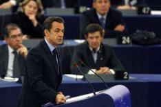 <p>O presidente francês Nicolas Sarkozy discursa no parlamento europeu, em Estrasburgo. A União Européia precisa debater formas de dar tratamento preferencial às empresas locais para proteger sua economia da globalização, disse o presidente francês Nicolas Sarkozy nesta terça-feira. Photo by Vincent Kessler</p>