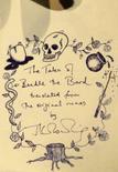 <p>Casa de leilões exibe novo livro de J.K. Rowling em Londres. Os leiloeiros da casa Sotheby's exibiram nesta semana uma cópia rara do livro 'The Tales of Beedle the Bard', de J.K. Rowling, que será leiloada para fins beneficentes em 13 de dezembro. 20 de novembro. Photo by Alessia Pierdomenico</p>