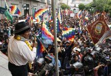 <p>Como em seus tempos de ativista, o presidente da Bolívia (esquerda), Evo Morales, comandou na segunda-feira uma passeata sindical em que fez duros ataques à oposição de direita. Foto em La Paz, 26 de novembro. Photo by Jose Luis Quintana</p>