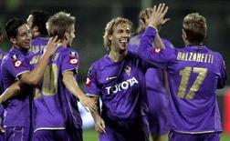 <p>Un'immagine tratta da una partita di Uefa della Fiorentina. REUTERS/Marco Bucco</p>