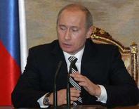 <p>O Kremlin rejeitou na segunda-feira as críticas internacionais à eleição parlamentar que deu uma ampla vitória ao partido do presidente Vladimir Putin e disse que a Rússia compartilha dos valores democráticos ocidentais. Foto em Moscou, 3 de dezembro. Photo by Reuters (Handout)</p>